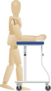 腕や肘で体を支えるタイプの歩行器